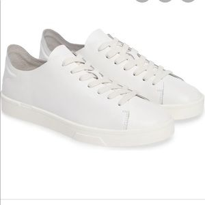 Calvin Klein white leather sneakers sz 6